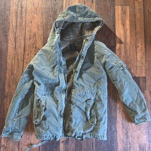 ZARA   Green Faux Fur Utility Jacket Size Small